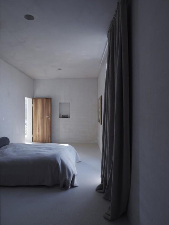 1274890509-kn-bedroom-750x1000