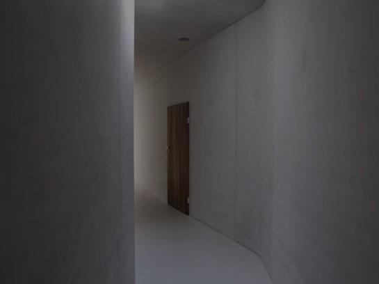 1274890515-kn-corridor-1-dark-1000x750