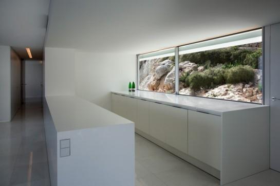 50aaf245b3fc4b0b540000c9_house-on-the-cliff-fran-silvestre-arquitectos_fran_silvestre_arquitectos_valencia_-_house_on_the_cliff_-__img_arquitectura_-_2-1000x666
