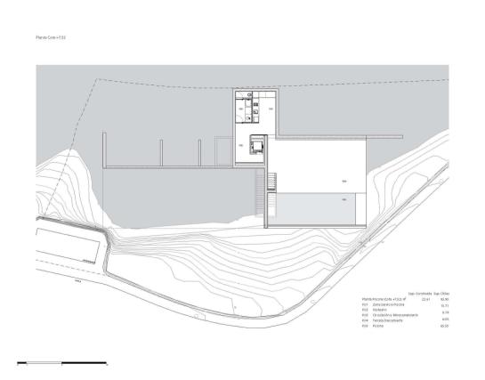 50aaf3bdb3fc4b0b540000ec_house-on-the-cliff-fran-silvestre-arquitectos_plan_-1--1000x785