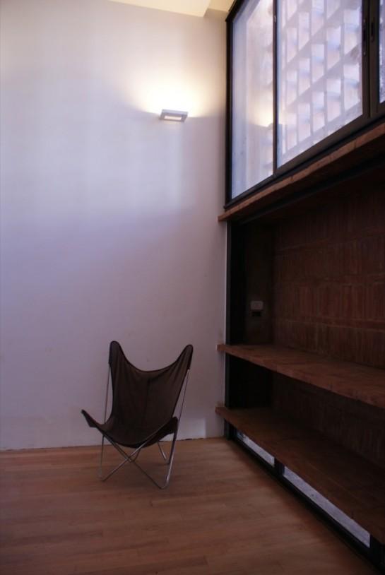 513185a9b3fc4b0d98001c0b_brick-house-ventura-virzi-arquitectos_1339075606-09-borde-espacio-interior-exterior-foto-ventura-virzi-669x1000