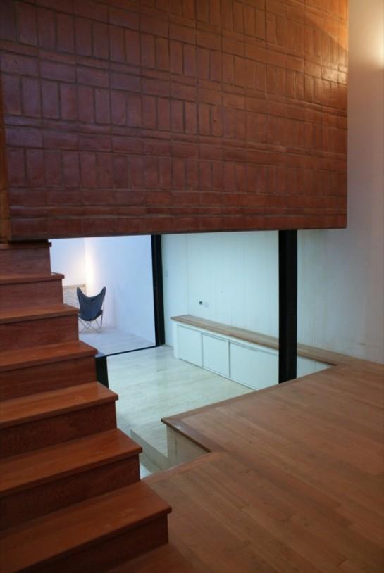 513185b4b3fc4b0d98001c0c_brick-house-ventura-virzi-arquitectos_1339075608-10-espacio-interior-pb-foto-ventura-virzi-669x1000