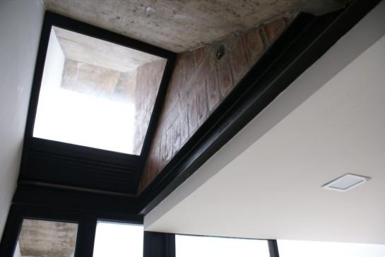 513185bdb3fc4b0d98001c0d_brick-house-ventura-virzi-arquitectos_1339075610-11-detalle-material-en-cocina-foto-ventura-virzi-1000x669