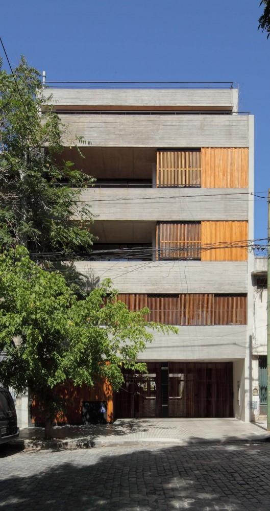 52f02e0fe8e44e611100001e_dos-patios-rdr-arquitectos_img_2127-529x1000