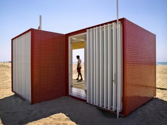 5304459fe8e44ee8ac0000e0_beach-modules-m-rius-quintana-creus_adri-_goula_05-1000x750