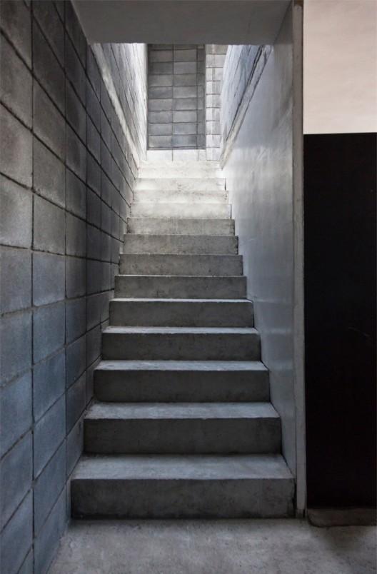 536fb9b4c07a80c585000050_casa-caja-s-ar-staci-n-arquitectura-comunidad-vivex_casa_caja_38-528x804