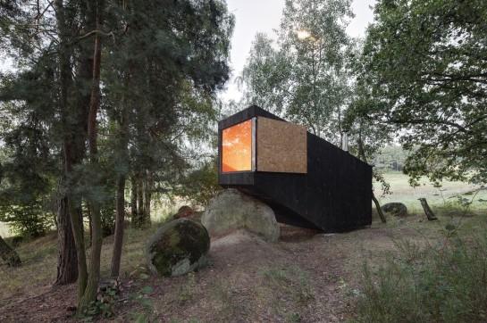 53a9eb9cc07a80e732000003_forest-retreat-uhlik-architekti_003-1000x666