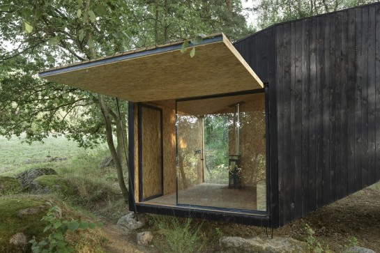 53a9ebebc07a80e732000004_forest-retreat-uhlik-architekti_006-1000x667
