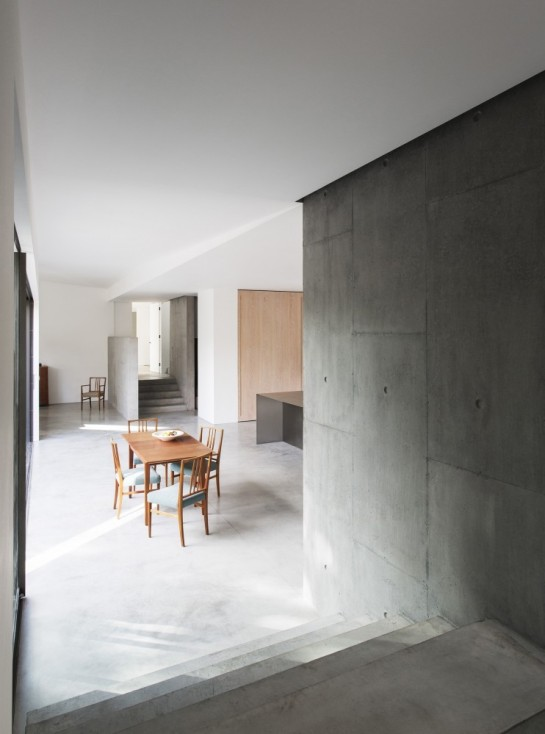 53aa10f3c07a8033bd000033_luker-house-in-barnes-jamie-fobert-architects_luker-house-contemporary-modern-london-residential-home-jamie-fobert-architects--742x1000