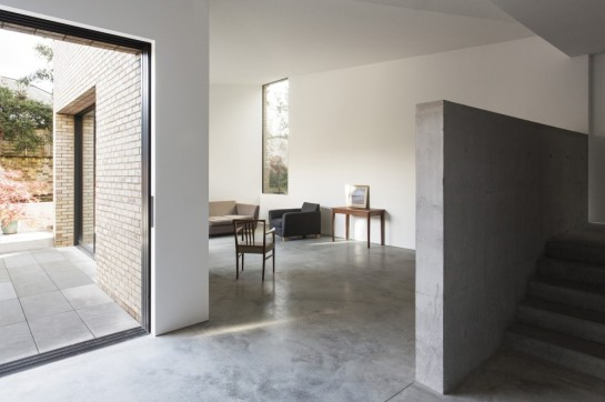 53aa1111c07a80e732000036_luker-house-in-barnes-jamie-fobert-architects_luker-house-contemporary-modern-london-residential-home-jamie-fobert-architects--1000x666