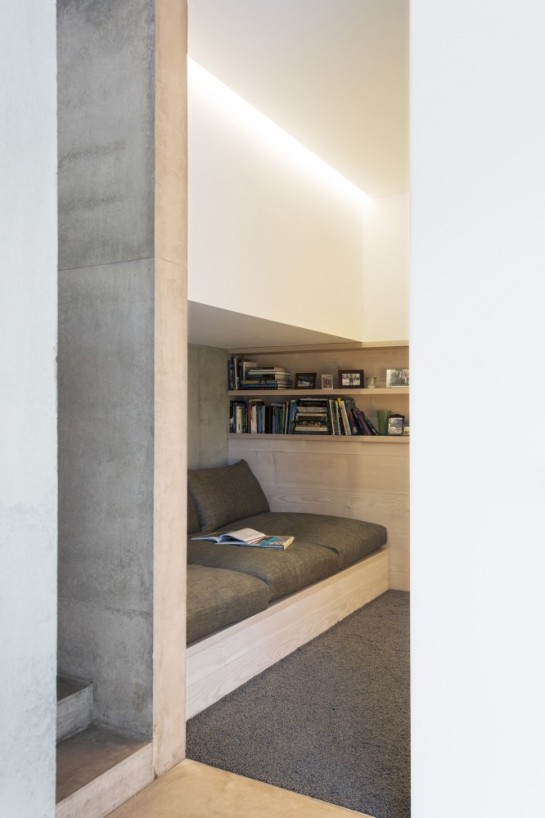 53aa112cc07a80e732000037_luker-house-in-barnes-jamie-fobert-architects_luker-house-contemporary-modern-london-residential-home-jamie-fobert-architects--666x1000