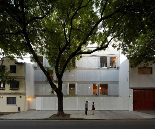 ESTEBAN-TANNENBAUM . Edificio de viviendas Sucre 4444 . Buenos Aires (2)