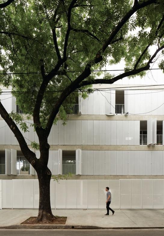 ESTEBAN-TANNENBAUM . Edificio de viviendas Sucre 4444 . Buenos Aires (4)