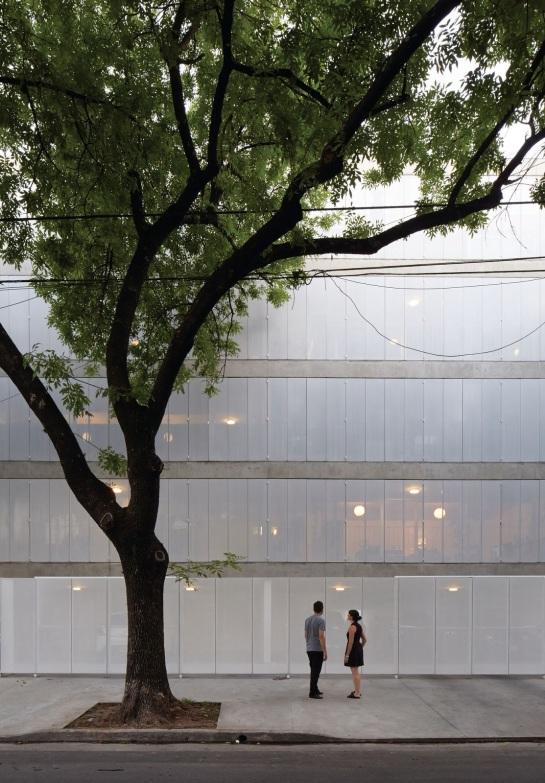 ESTEBAN-TANNENBAUM . Edificio de viviendas Sucre 4444 . Buenos Aires (5)
