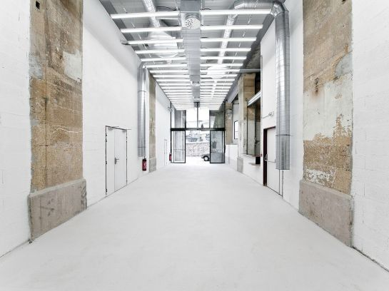 Thomas Raynaud . Transformation of an old warehouse into school . Marseille (1)