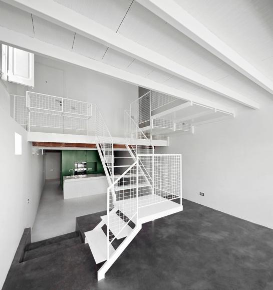 511414edb3fc4b279c000126_remodeling-a-house-in-nou-barris-arquitectura-g_virrey_amat_09