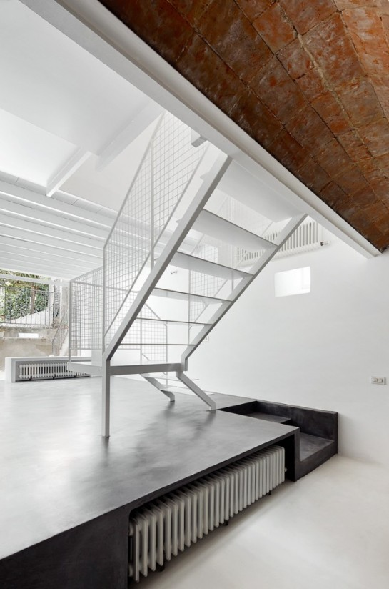 511414f4b3fc4b279c000128_remodeling-a-house-in-nou-barris-arquitectura-g_virrey_amat_11-661x1000