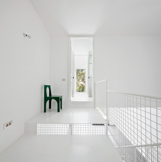 51141507b3fc4b1a2000012d_remodeling-a-house-in-nou-barris-arquitectura-g_virrey_amat_04