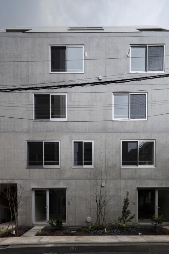53e17dbbc07a80bf020001e9_luz-shirokane-kawabe-naoya-architects-design-office_luz-01-666x1000