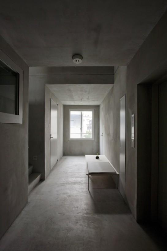 53e17df3c07a80bf020001eb_luz-shirokane-kawabe-naoya-architects-design-office_luz-04-666x1000