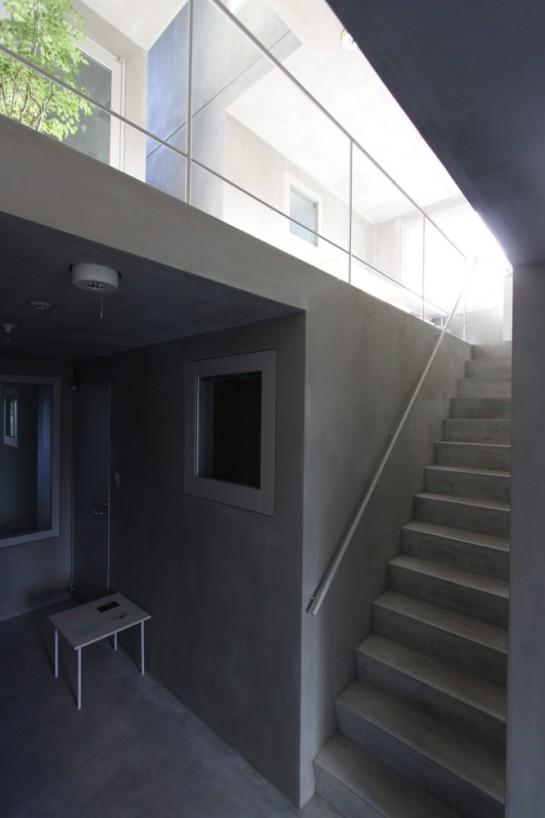 53e17e04c07a801874000262_luz-shirokane-kawabe-naoya-architects-design-office_luz-05-666x1000