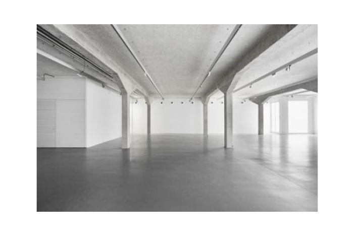 Norman Foster . espacio expositivo para Ivorypress . Madrid (5)